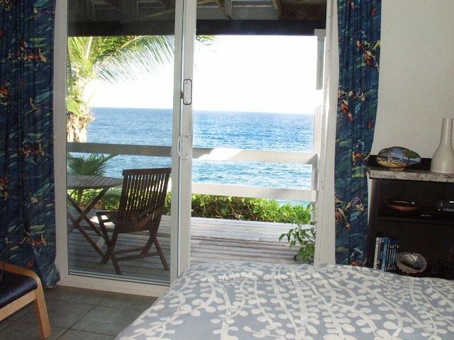 Oceanfront studio in tropical area
