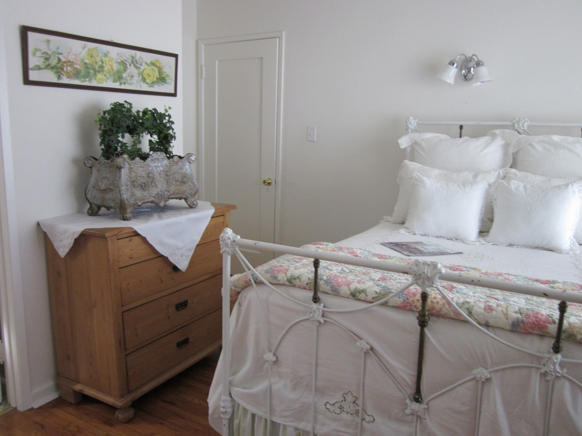 Additional view of room with antique pine dresser