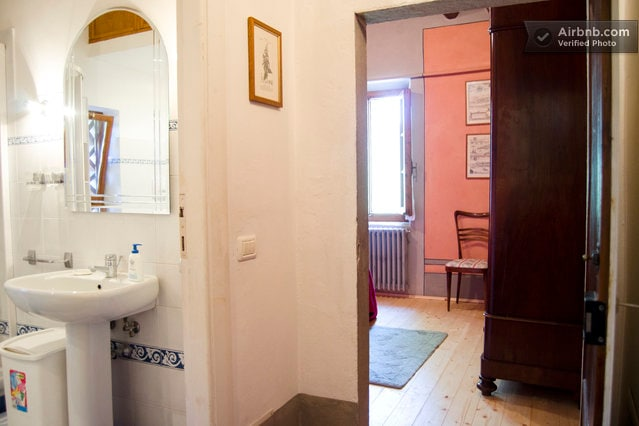Apt Ancient Freplace: entrance to the double bed room & to the bath