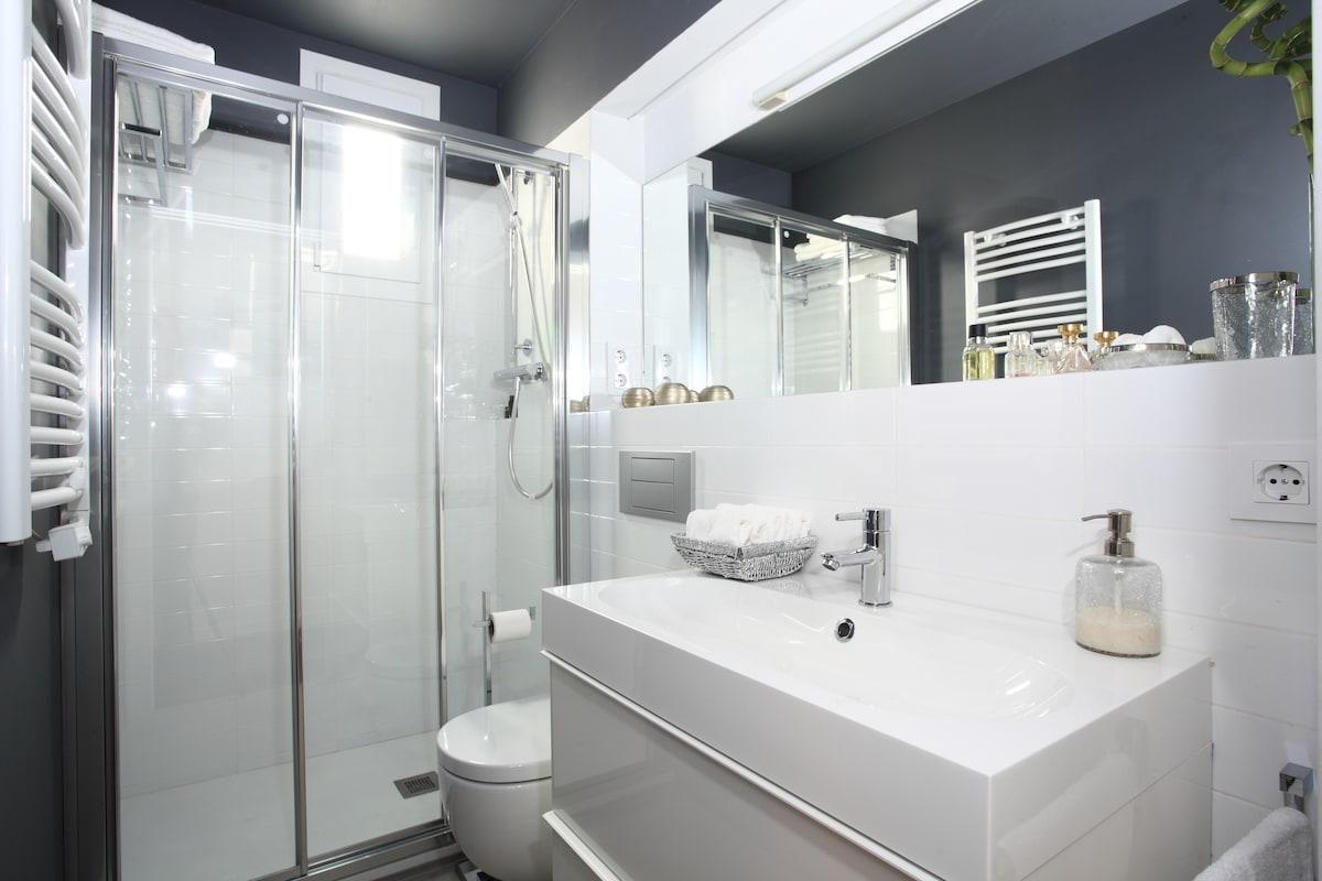 Bathroom with all toilet amenities