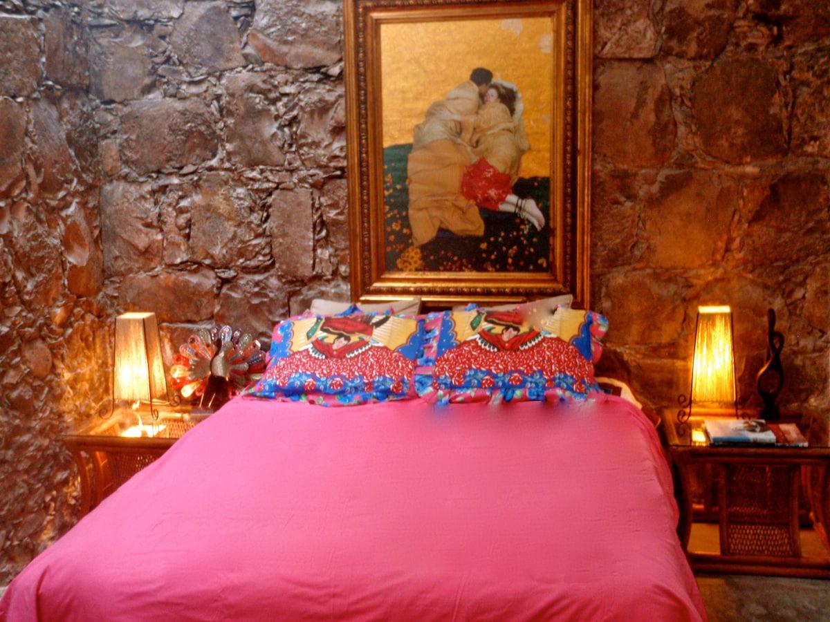 Downstairs bedroom suite...