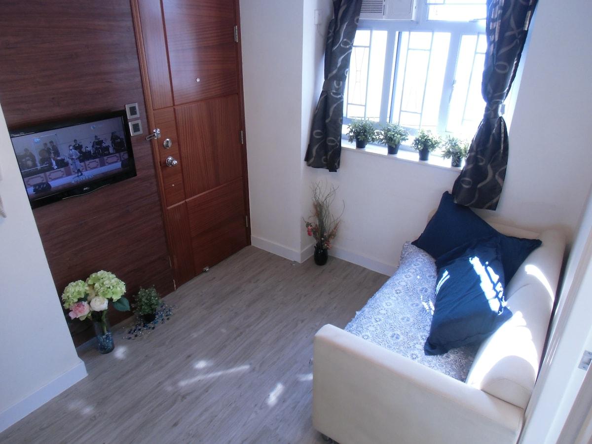 Modern Deco, Bright & High floor