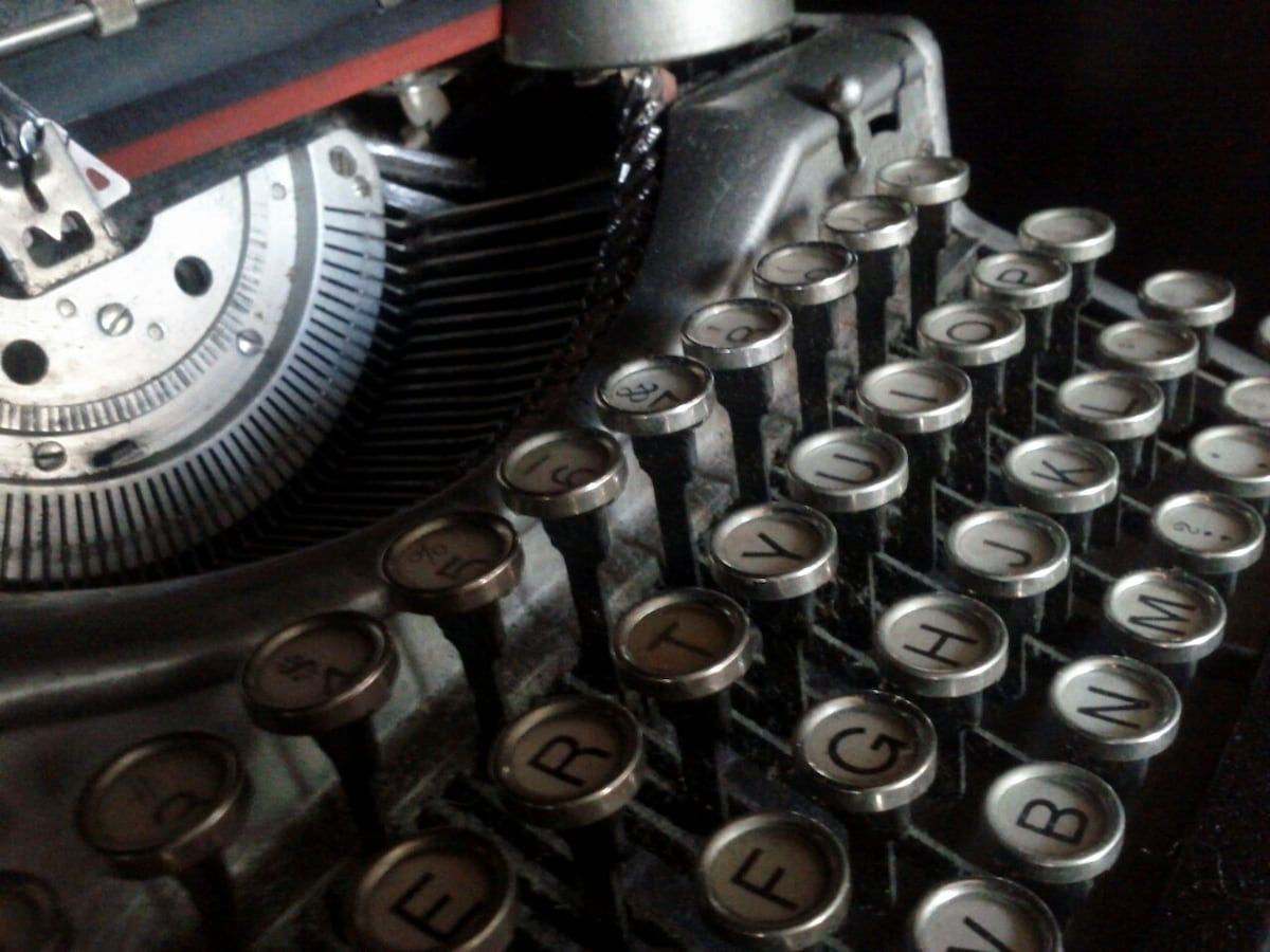the guestroom: surprise your loved ones by using one of our two typewriters to send a letter - the post office is two blocks away :-)