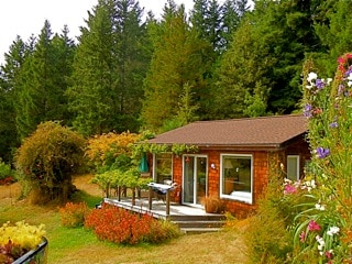 cottage on meadow's edge amidst nature, privacy, peace & quiet