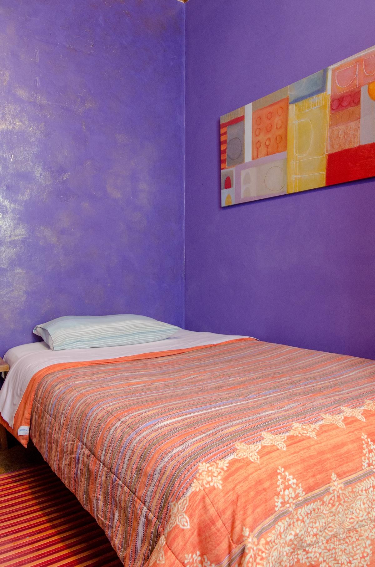 Cheap hotel in centre of Frerrara