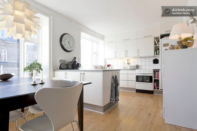 Modern and bright apartment.Central