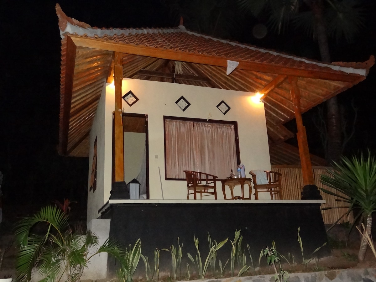 Bungalow by night