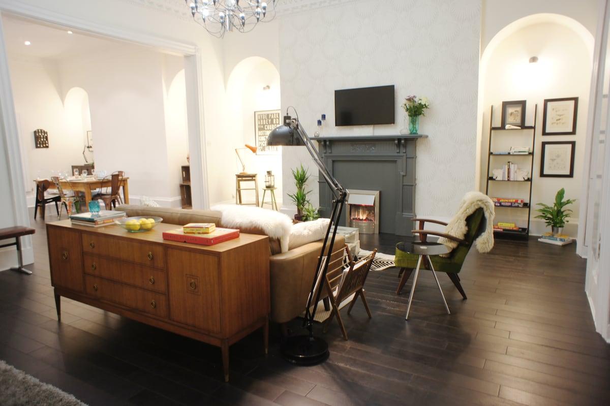 Luxury Boutique Apartment, Bath