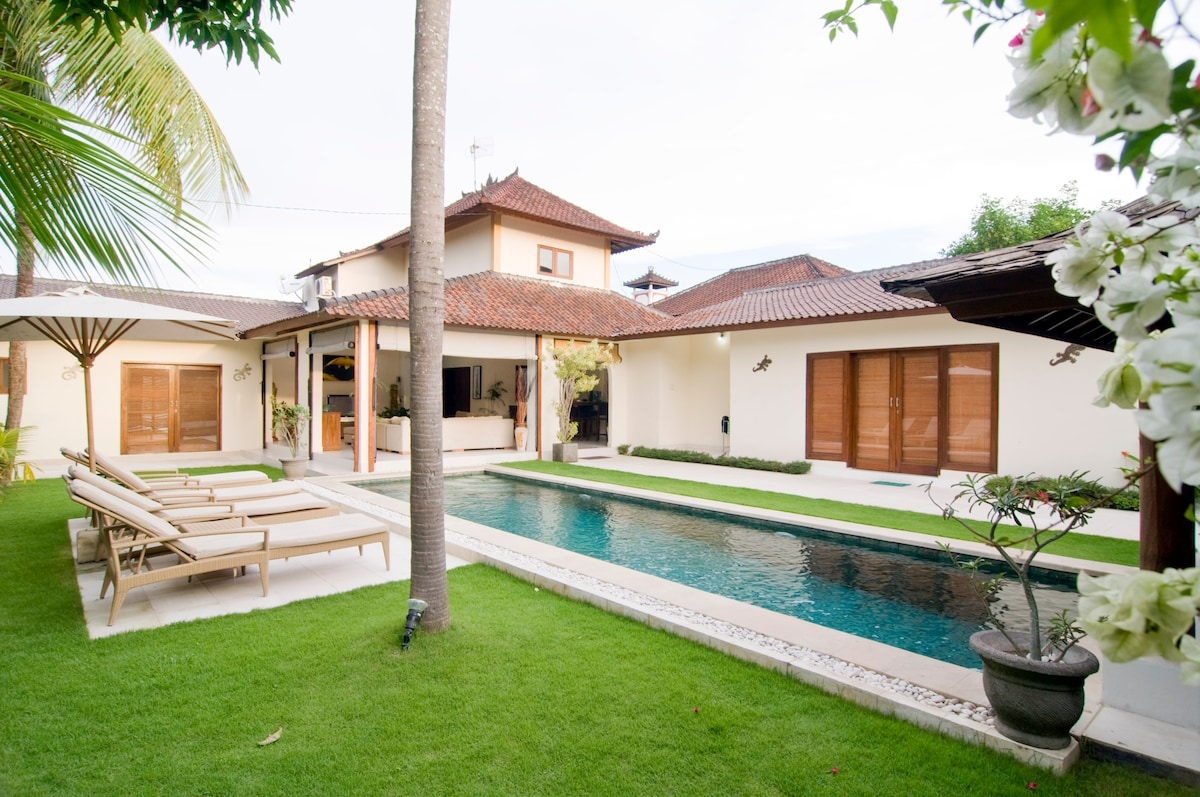 Serene 4bd close to all, Seminyak