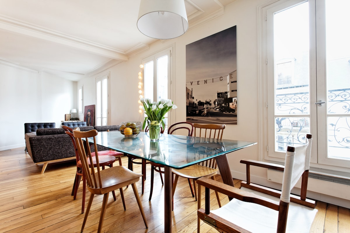 Dining Room for up to 8 people
