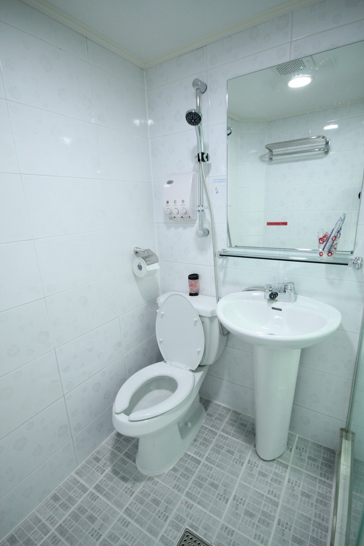Lovely double room with a private bathroom