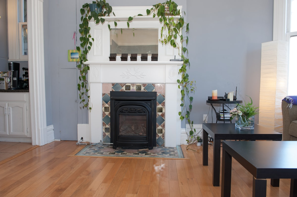 The fireplace. Perfect for foggy San Francisco days and nights.