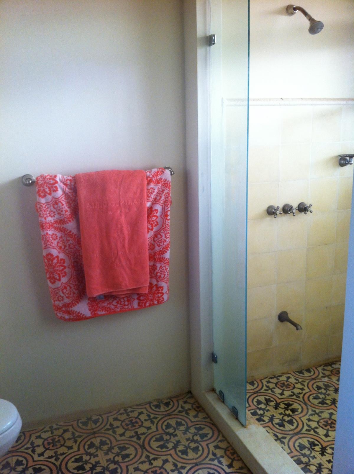 Spanish tile in your bathroom