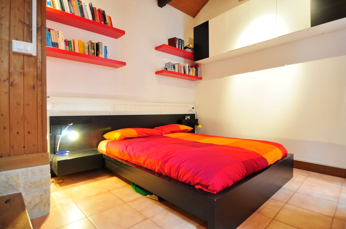 Air-conditioned double room with two windows and wifi - King Size Bed