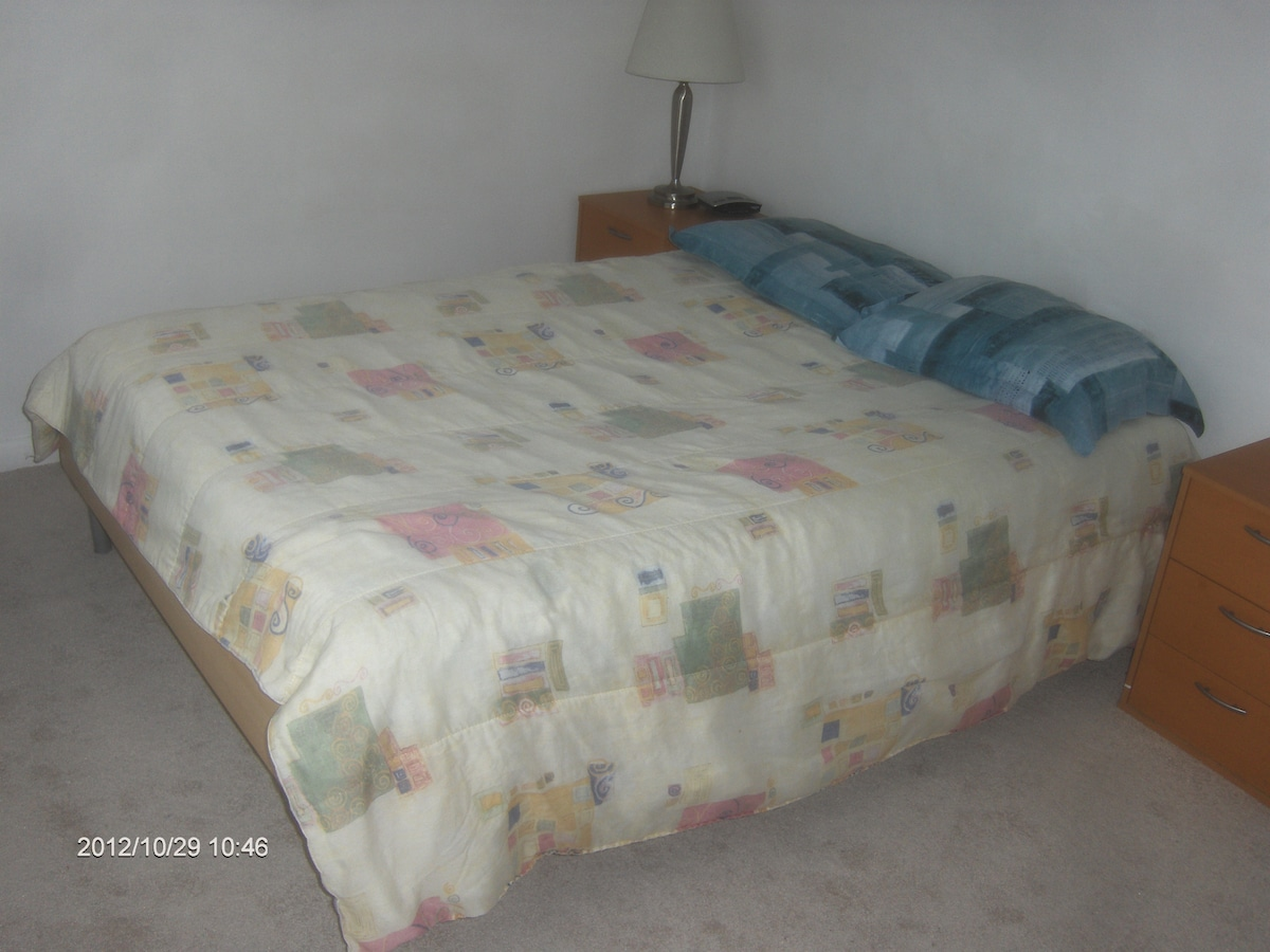 Double bed for Couple. Bed has 3 layers-comforter, flat sheet and mattress cover.
