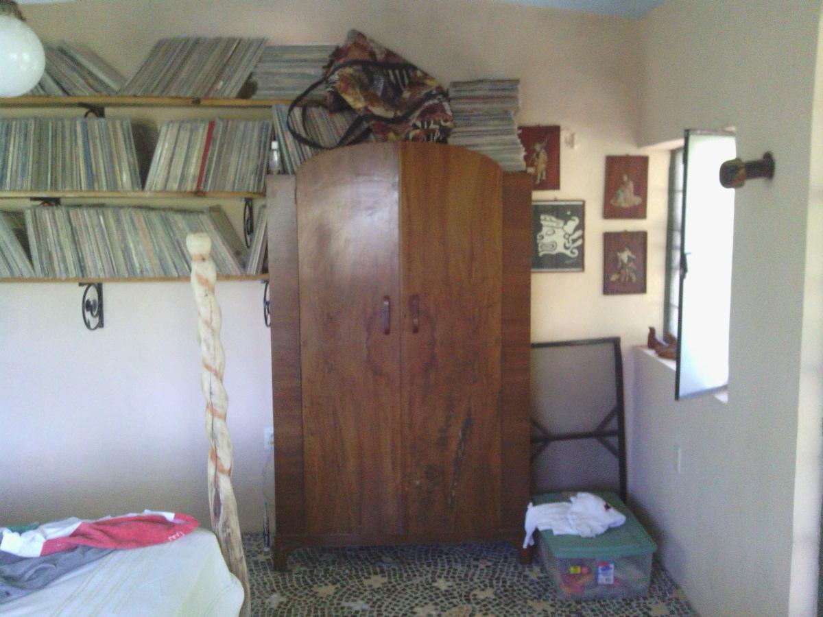 guest bdrm, 2nd flr, armoire