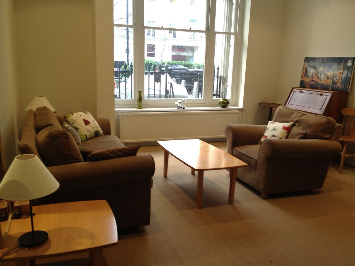 Alternatively you can also have great daylight into the living room and to enjoy the view!