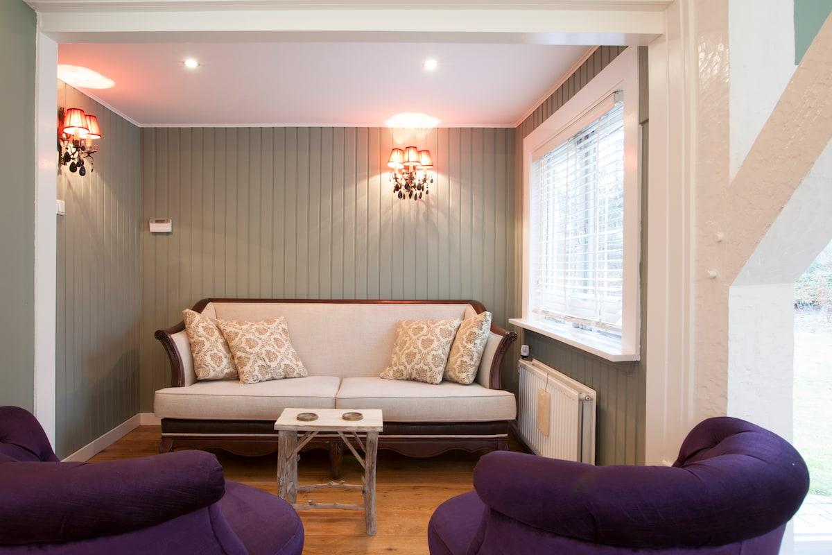 extra zithoek in de woonkamer/ cosy sitting area