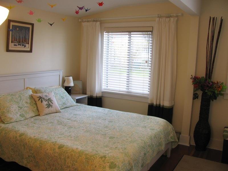 Front bedroom with Queen bed.