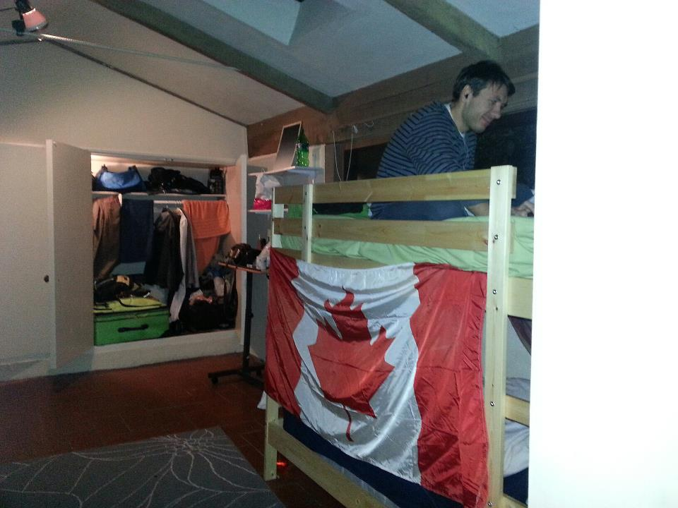 Bunk Bed 1 in a lively hacker house