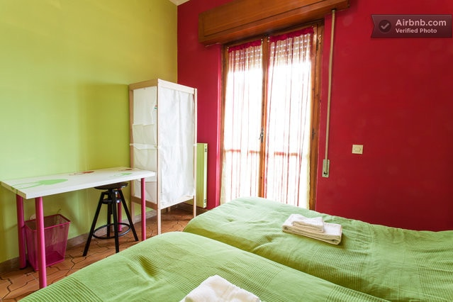 Close to the airport twin beds wifi