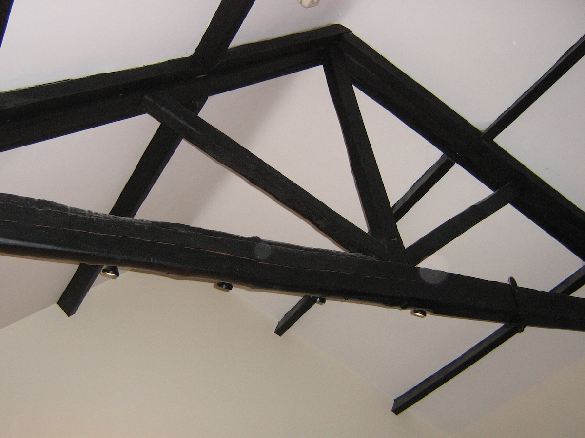 Beams and purlins in Lounge/Kitchen