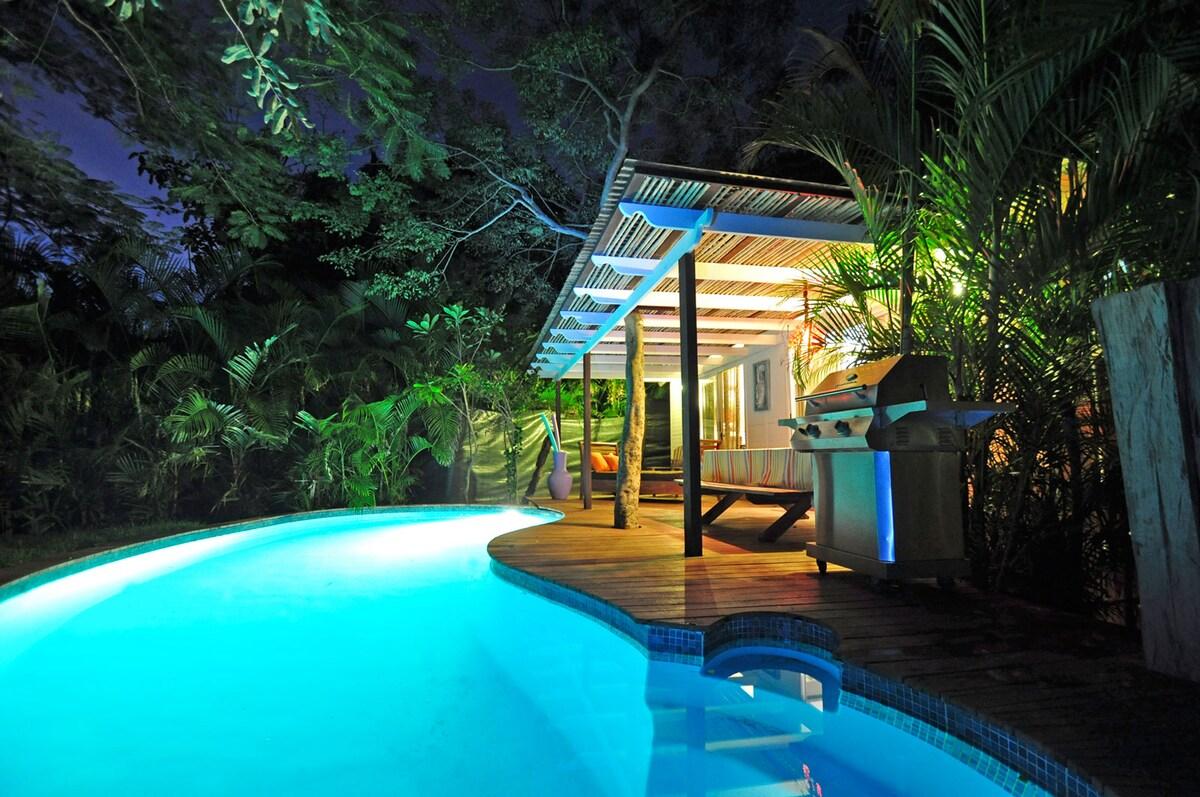 Oceanis beachfront home - pool