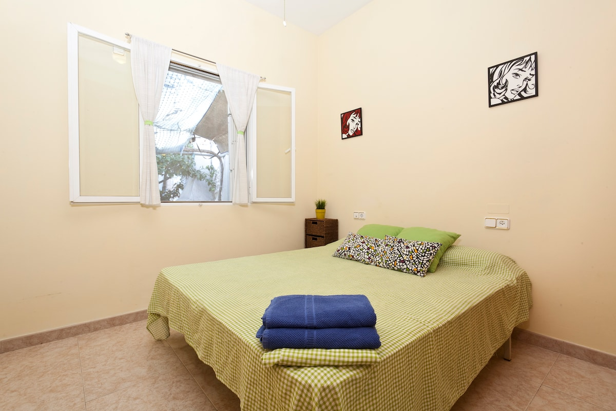 NICE AND BRIGHT DOUBLE ROOM!!