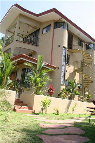 Two-bedroom apt at Fuego Lodge, CR