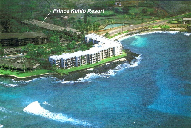 STAY AT PRINCE KUHIO!
