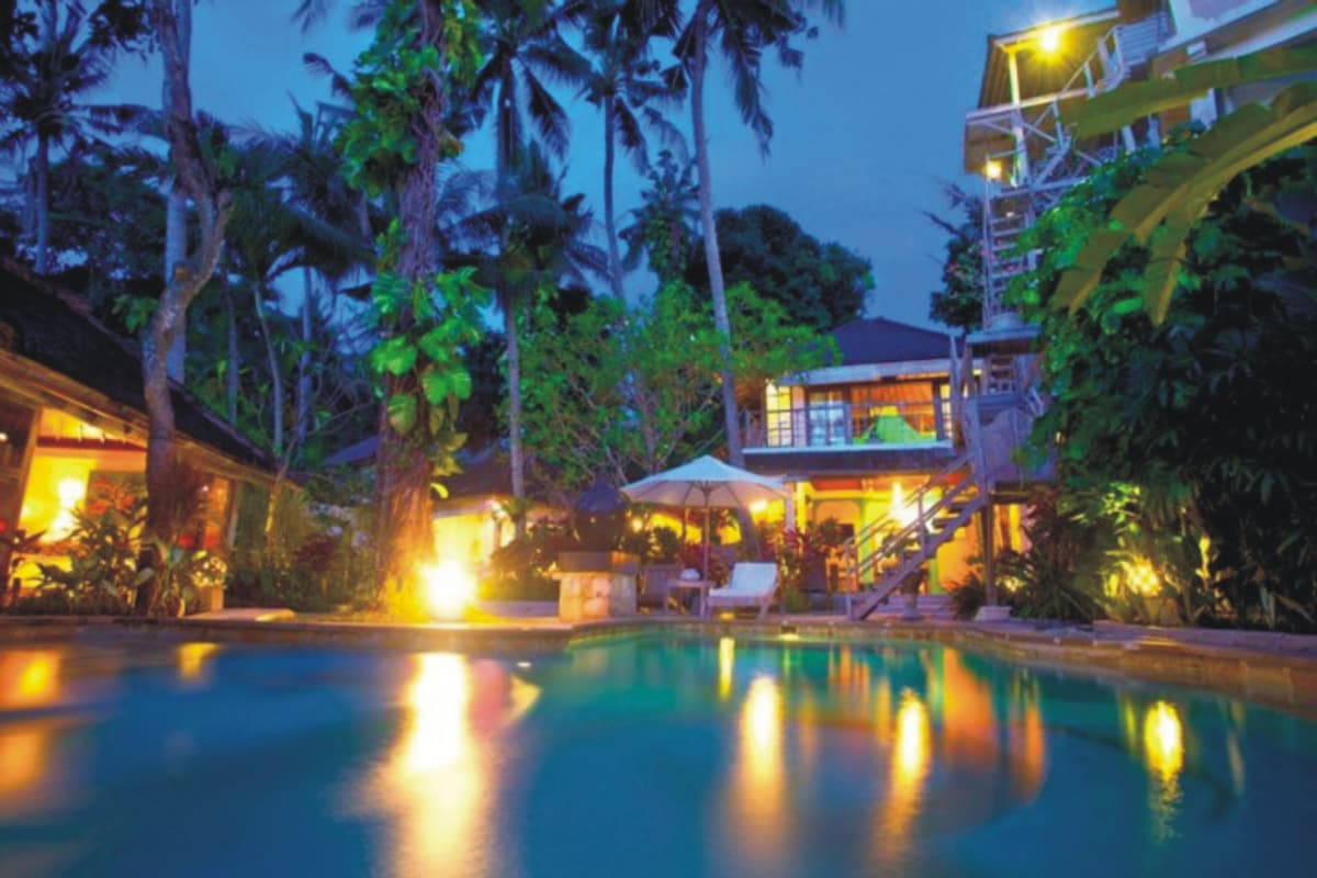 Situated on 600 square meters of land, right in the heart of Seminyak.  Villa Emma also has 2 seperate living areas to relax