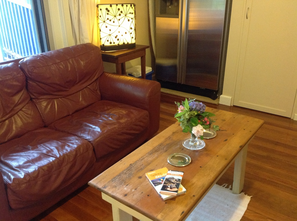 A seriously comfortable private, but central Glenbrook Village location. Check the fridge daily.