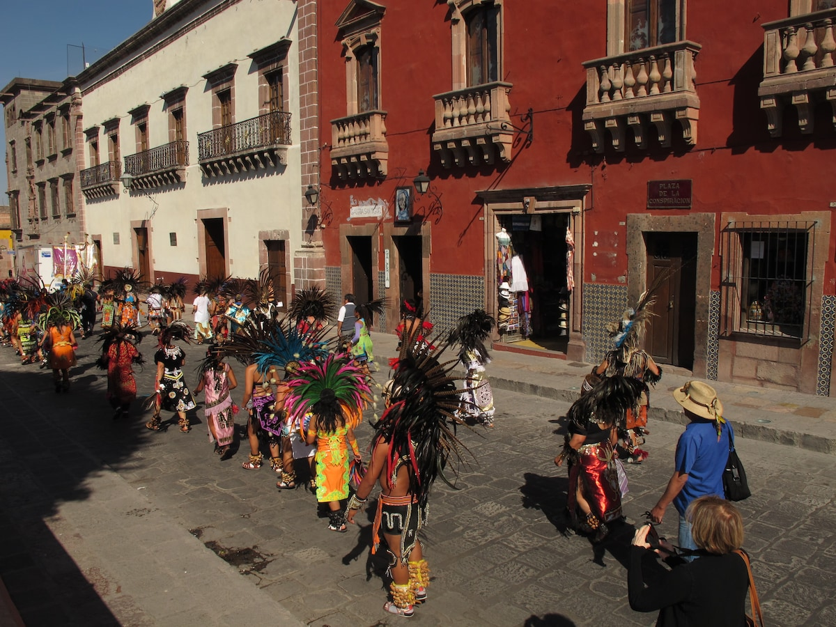 A parade in the town square!