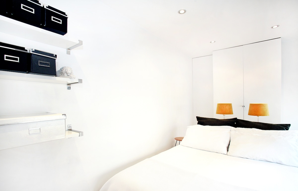 Shoreditch Flat by Hoxton Square