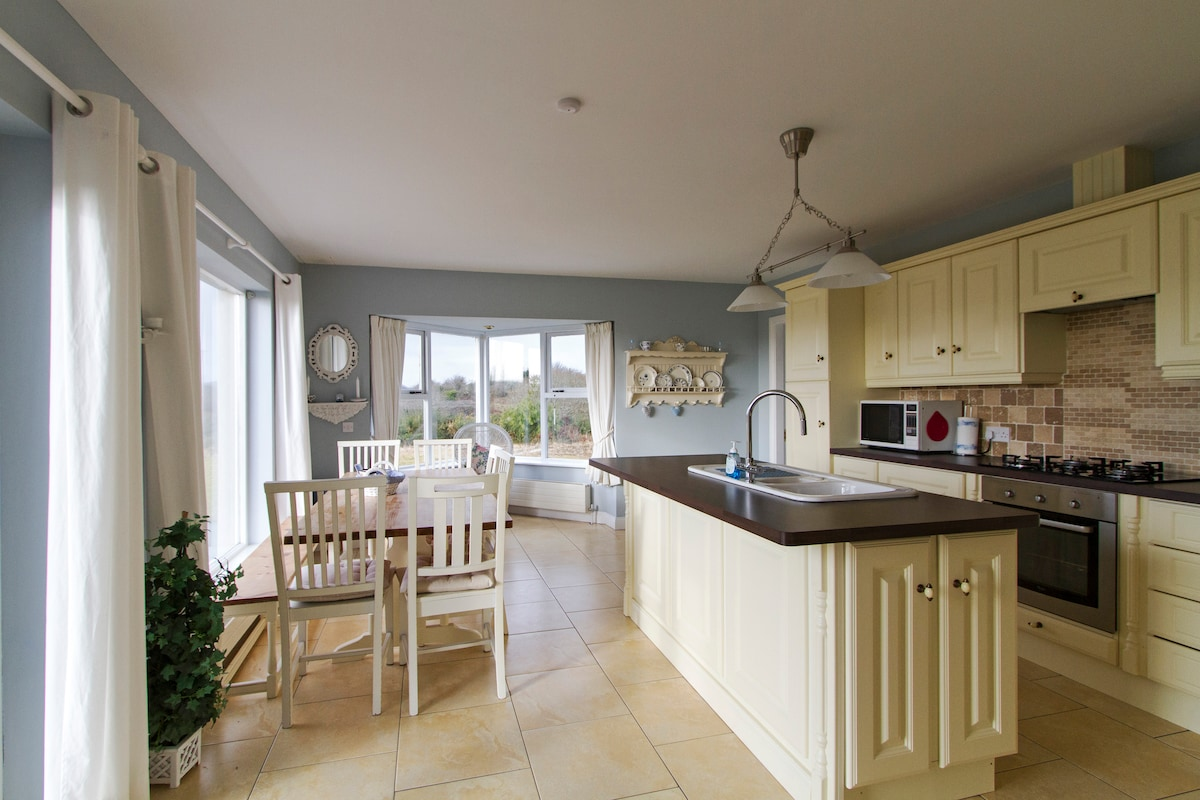 Large open plan kitchen and dining