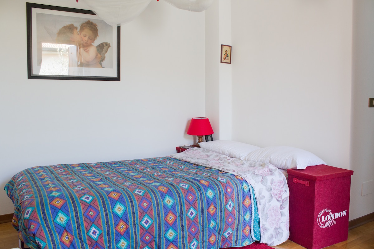 Guestroom: single and a half bed, the other bed is from the other room's picture