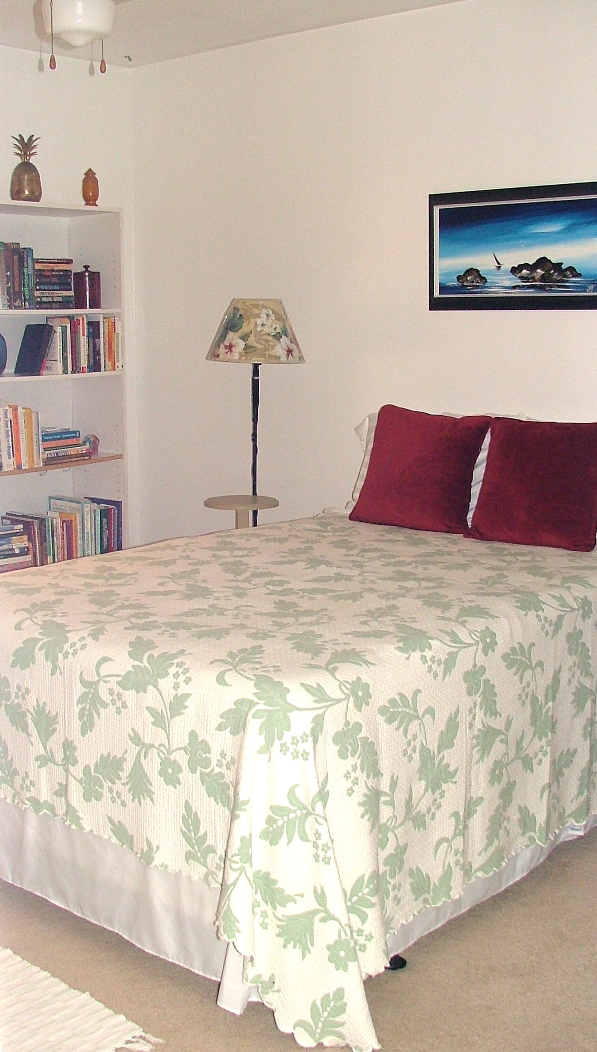 Guestroom with very comfortable pillow top double bed