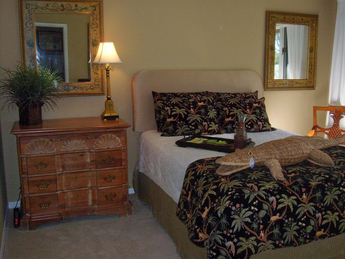 Your sumptuous tropical themed private Guest Suite awaits!