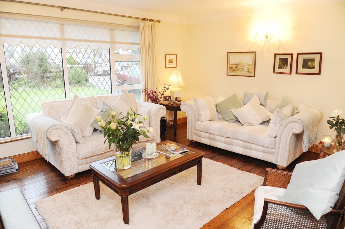 Relax and unwind in our lovely sittingroom