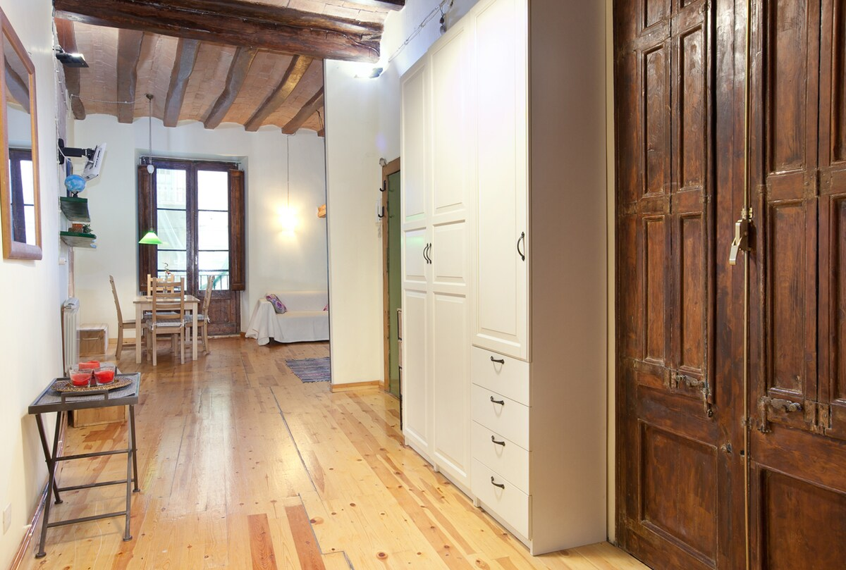 Authentic wooden windows and ceiling