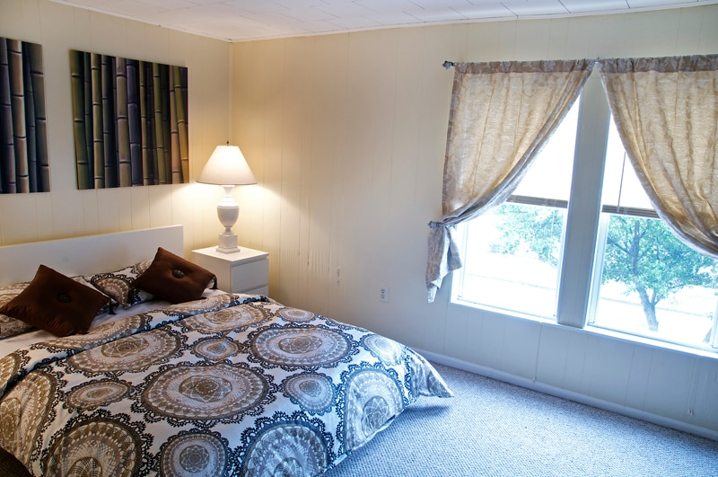 Large master bedroom with brandnew queen size bed and brandnew linens