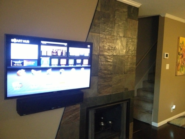 46 inch Smart wifi connected LED TV w Netflix subscription in living area