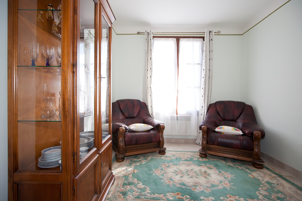 RENT APPARTMENT ARLES 13200 FRANCE