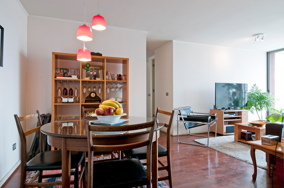 Sala y comedor, con tv cable y terraza- Living room, dinner room, cable tv and terrace...