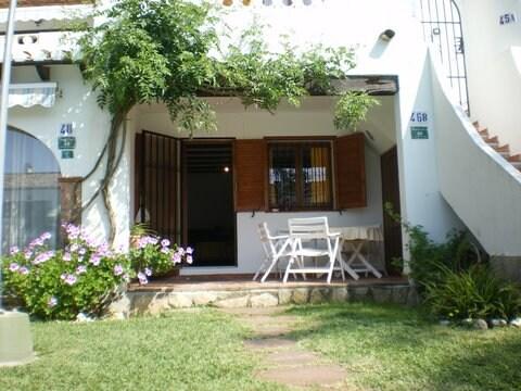 Dénia, Apartment for 4: garden+pool