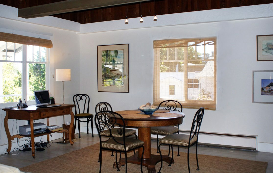 Welcome to Shell Cottage  (dining area)
