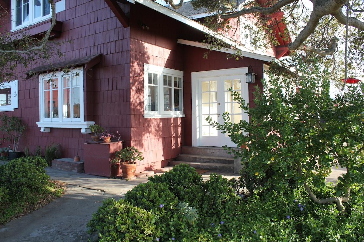 Historic Landmark House - room #3
