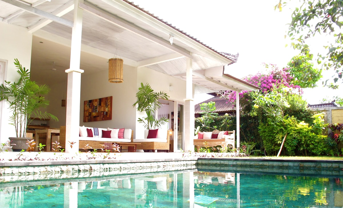 Spacious open living and kitchen, over looking your very own private pool and beautiful tropical garden.