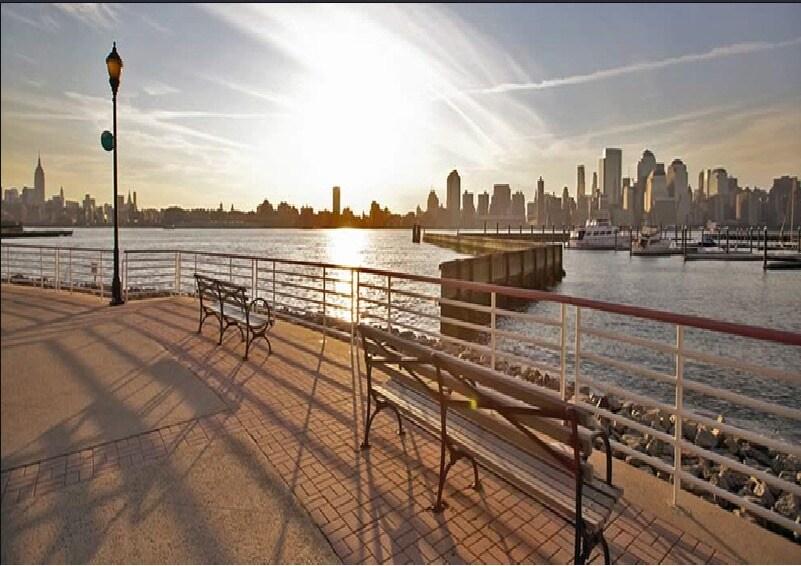 Urban Luxury Studio-7 mins to NYC