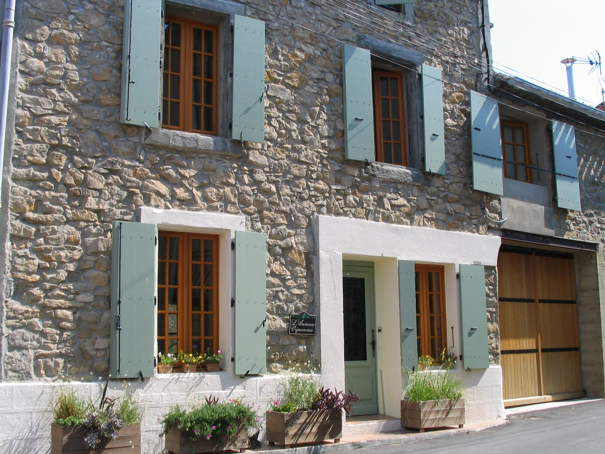 L'Ancienne Vigneronne with the green shutters